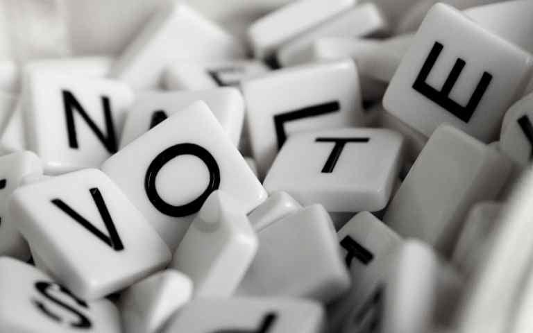 Así influye la reputación de los líderes políticos en tu voto