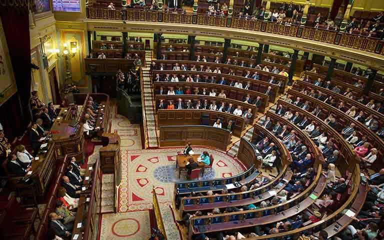 Día de la Constitución: 42 años de liderazgo